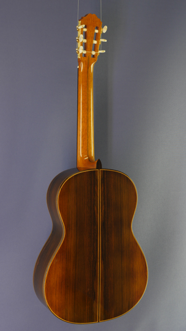 luthier guitars fine handmade classical guitars by guitar makers die zupfgeige guitars and. Black Bedroom Furniture Sets. Home Design Ideas
